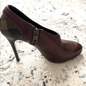 Burberry shoes size 35